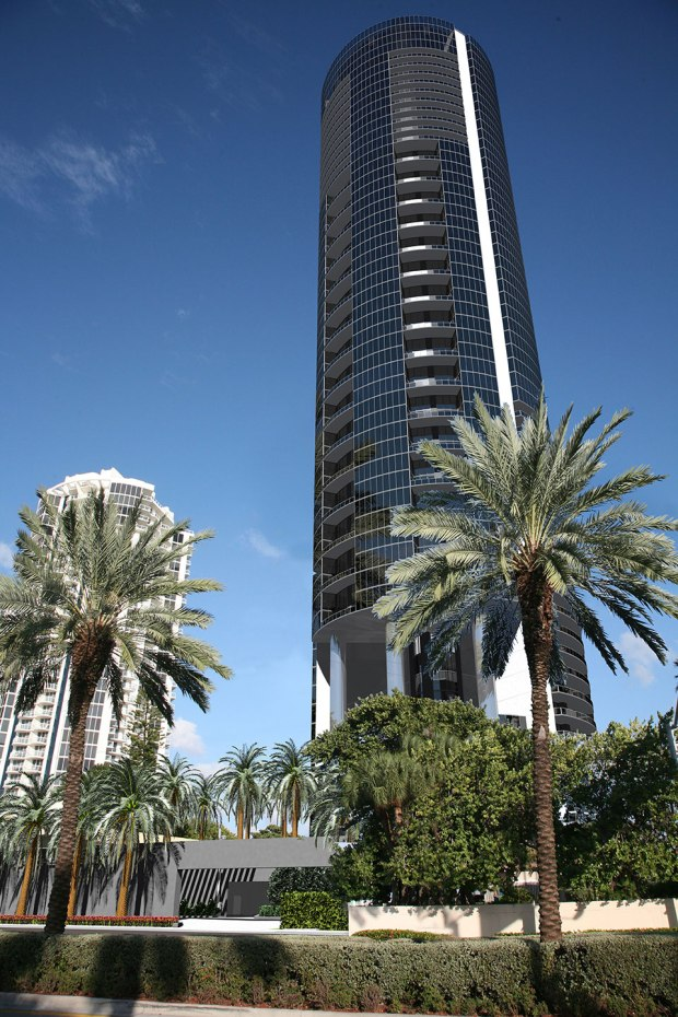 The Porsche Design Tower is a $560 million structure in Miami, Florida. (Photography investinmiami.com)