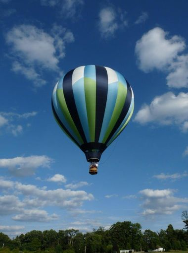 Wind speed must be less than 8 to 10 mph, the ground cannot be wet and there must be no thunderstorm activity within 100 miles in order for hot air balloons to fly. (Photo: ~Courtesy of Alexandria Balloon Flights)